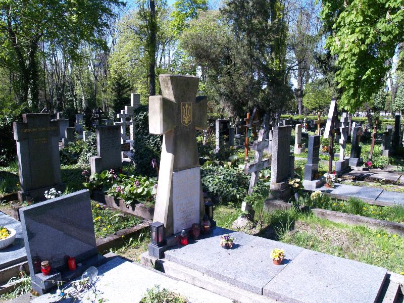 Ольшанське кладовище, частина 2ob, відділ 18, поховання №404.
