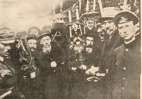 Zhmerynka's Jews meeting the head of the Directorate, Symon Petlura