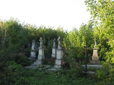 Кладовище в Токах