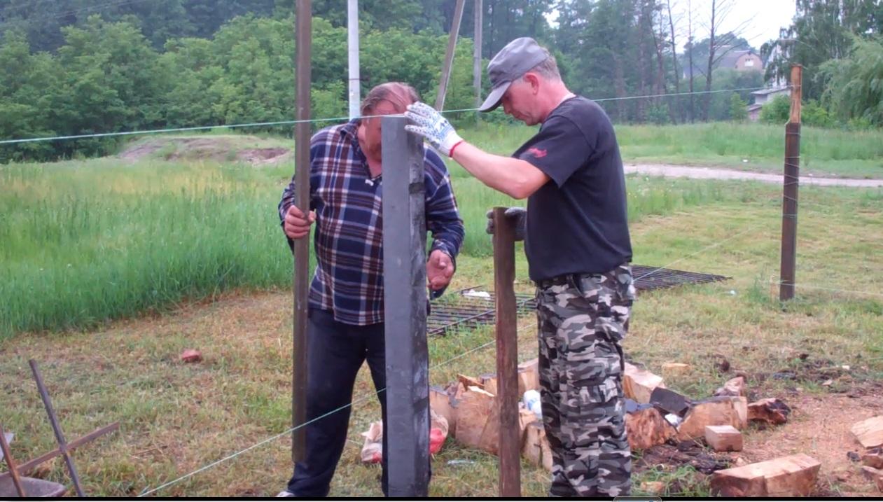 Встановлення стовпів для паркану