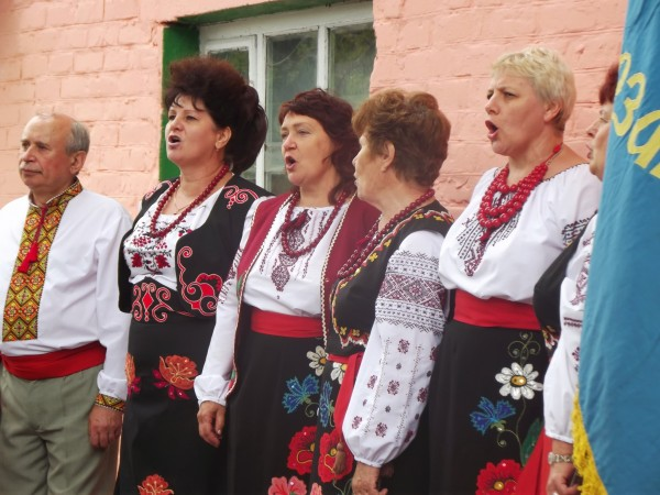 """Виступ хору """"Просвіти"""". Фото: Дмитро Коропотов."""