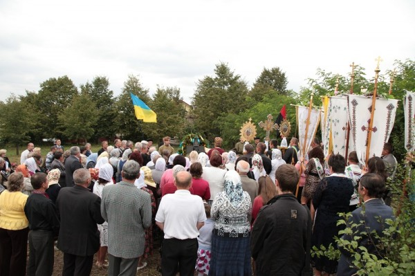 Вшанувати Кравченка прийшло чимало селян