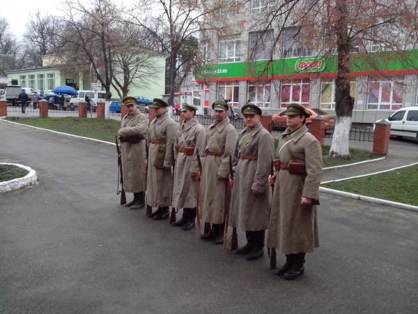 Військово-історичні реконструктори в одностроях Армії УНР