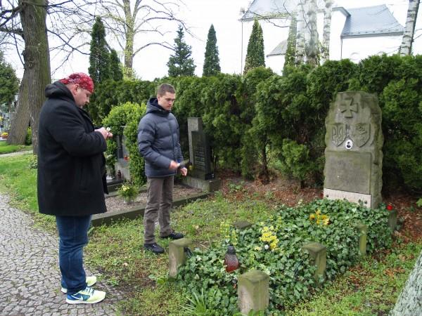 На могилі в полковника Армії УНР Михайла Фролова, м. Літомишель.
