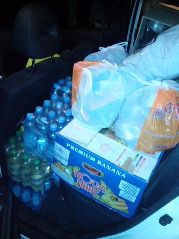 """Продукти харчування зібрані волонтерами у супермаркеті """"Фуршет"""""""