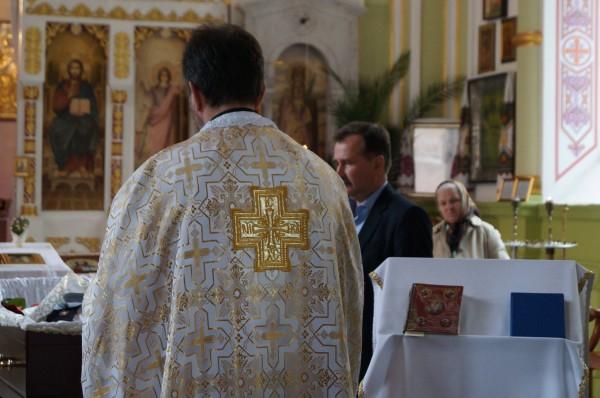 Погребіння звершив отець Андрій Калита