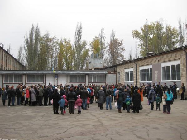 Кілька сотень херсонців прийшли віддати шану лейтенанту Набєгову