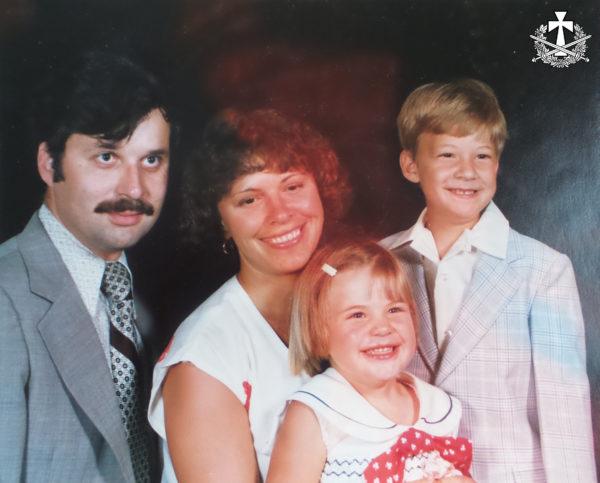 Зиновій Балабан (ветеран війни у В'єтнамі) із дружиною Галиною ьа дітьми: Михайлом та Уляною. США, орієнтовно 1979-1980 рр.