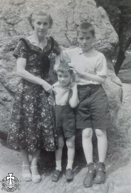Емілія Балабан із синами: Олександром та Зиновієм. Центральний парк Нью-Йорка - серпень 1057 р.